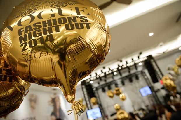 Balão metalizado produzido e instalado pela equipe AS Balloon Shopping Cidade jardim - VFNO 2014. Foto: José Pelegrini